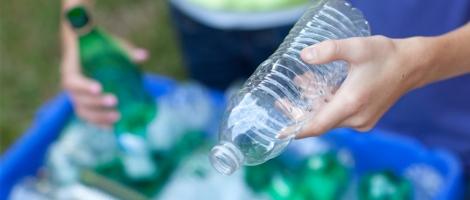 Paper looks at risks of investing in plastics Australia